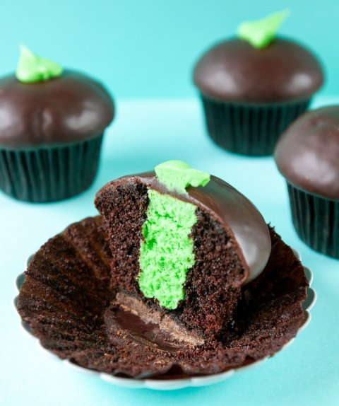 Thin MInt Cupcake made with Girl Scout Thin Mint Cookies - Detail