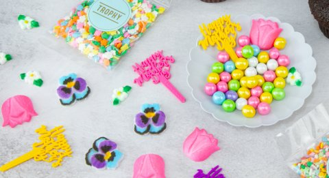 Decorate Your Own Mother's Day Dozen Details