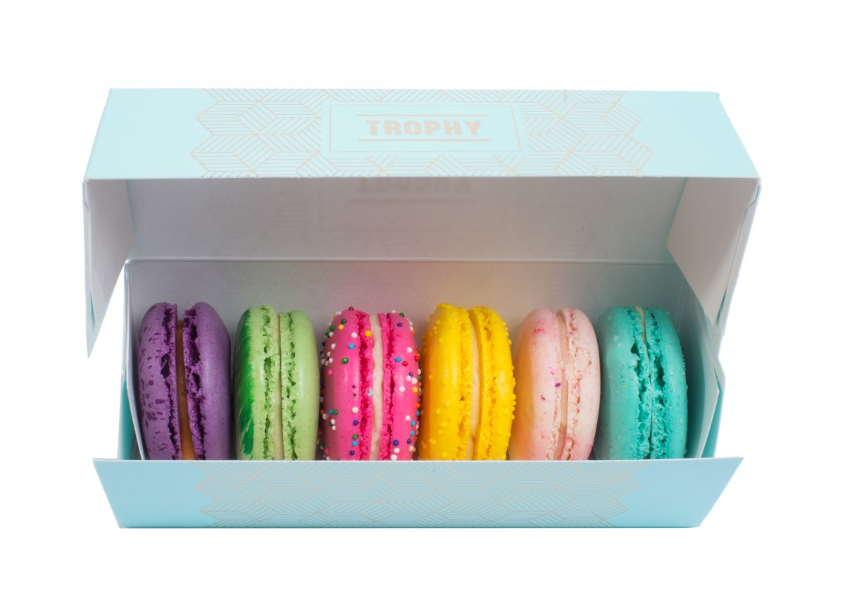 6 Bakers Choice Macarons