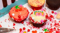 Decorate Your Own Valentines Cupcakes 6-Pack